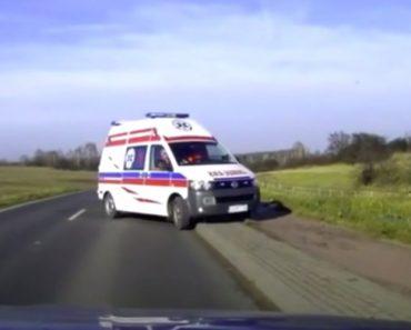 Nunca Uma Ambulância Foi Tão Rápida a Chegar Ao Local Do Acidente Como Esta 5