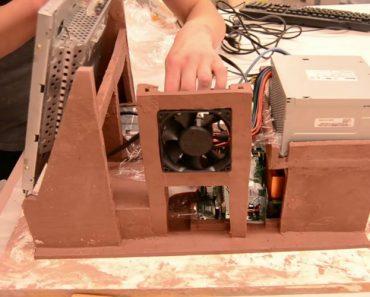 Jovem Constrói Computador Funcional Inteiramente Feito De Barro 1