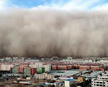 Tempestade De Areia Deixa Cidade Chinesa Sob Manto Cinzento 5