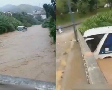 Autocarro Arrastado Pelo Rio, Embate Em Ponte e Volta-se Ao Contrário 6