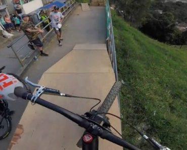 Ciclista Mostra o Quanto é Desafiante Percorrer o Maior Circuito Do Mundo De Urban Down Hill 5