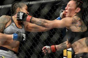 """UFC Em """"Choque"""": Amanda Nunes Fez História Ao Arrasar Crys Cyborg Em 51 Segundos 8"""
