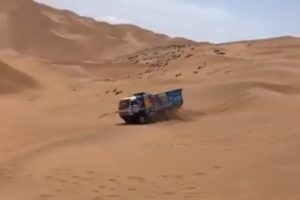 Dakar: Piloto Atropela Espectador, Segue Viagem e... Acaba Excluído 10