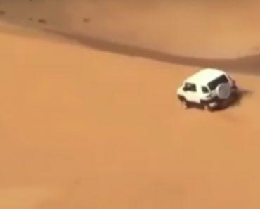 Aventureiro Condutor Arrisca Subir Enorme Duna E Tem Desastrosa Experiência 1