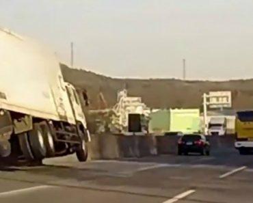 Condutor Consegue Evitar Acidente Ao Fazer Inacreditável Acrobacia 3
