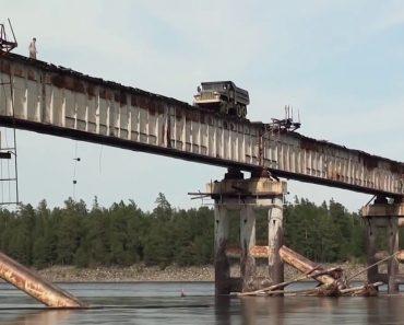 Condutor Faz Arriscada Travessia Sobre Ponte Extremamente Degradada 1