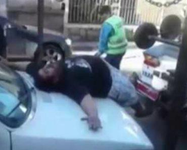 Dramático Homem Finge Ataque De Pânico Para Que Não Lhe Reboquem o Carro 6