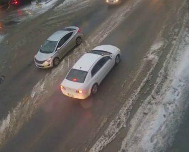 Câmara De Vigilância Capta a Dificuldade De Pedestre Em Descer Estrada Escorregadia 5