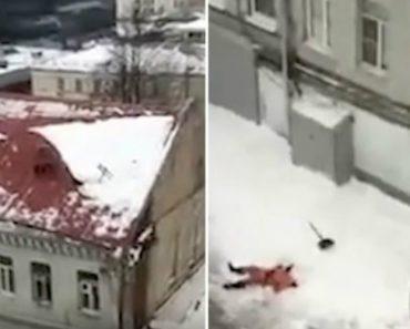 Trabalhador Sem Equipamento De Segurança Cai Do Telhado De Prédio Durante A Remoção Da Neve 5
