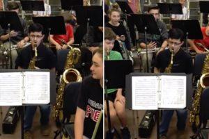 É De Ficar Sem Fôlego Só De Ouvir o Solo De Saxofone Deste Adolescente 10