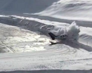 Piloto Perde Controlo e Avioneta Embate De Frente Contra Parede De Neve 6