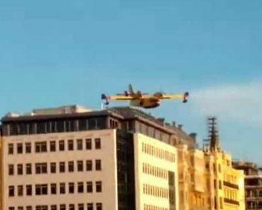 Piloto Faz Manobra Perigosa Com Avião Para Encher Depósito No Mar 9