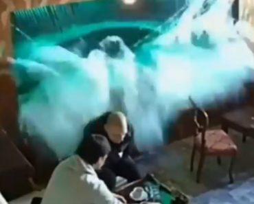 Clientes De Café Levam Banho Após Rebentamento De Aquário 4