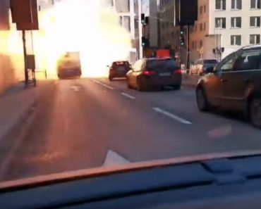 Autocarro Movido a Gás Explode Ao Entrar Num Túnel 3