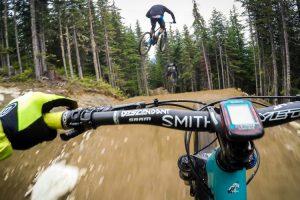 Adrenalina Máxima Numa Descida Em Bicicleta De Tirar o Fôlego 9