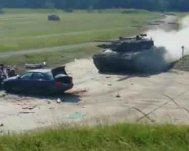 Tanque Militar Mostra O Estrago Que Provoca Ao Colidir Com Carro 1