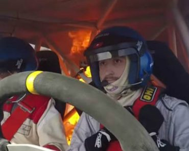 Câmara Capta Momento Em Que Carro De Rally Se Incendeia Com Piloto e Copiloto No Interior 4