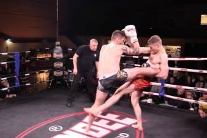 Lutador De Muay Thai Aplica Golpe De Génio Enquanto Cai 10