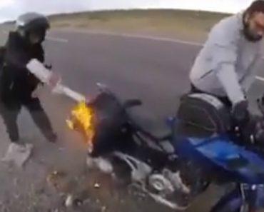 Motociclista Salva o Dia De Dupla Que Seguia Numa Moto Em Chamas 6