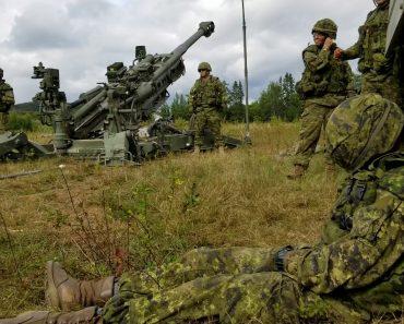 Militar Adormece e Colegas Resolvem a Situação Da Melhor (Ou Pior) Forma 6