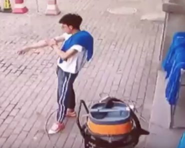 Homem Escapa Por Um Triz à Derrocada De Parte De Um Edifício 3