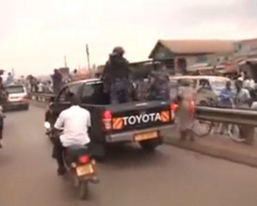 Como Atua a Polícia Do Uganda Para Punir Os Cidadãos Que Saíram à Rua Para Celebrar 1