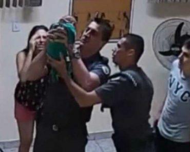 Policias Salvam Bebé De 21 Dias Que Se Engasgou e Parou de Respirar 5