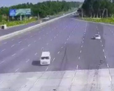 Automobilista Provoca Tremendo Acidente Ao Entrar Em Portagem a Alta Velocidade 2
