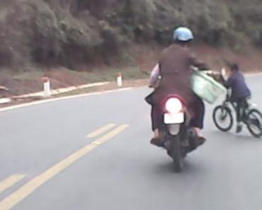 Casal Tem o Azar De Se Cruzar Com Criança No Trânsito 6
