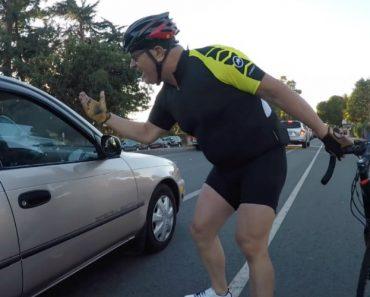 """Ciclista Distrai-se Ao Pedir """"Atenção"""" a Condutor e Acaba Por Bater 3"""