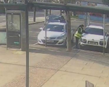 Polícia Apanhada a Roubar Bilhete De Estacionamento Para Poder Multar 9