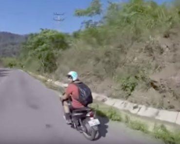 Cumprimento Entre Motociclistas Resulta No Despiste De Um Deles 1