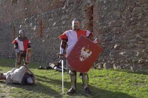 Eurodeputado Mascara-se De Cavaleiro Medieval Em Vídeo Para Europeias 10