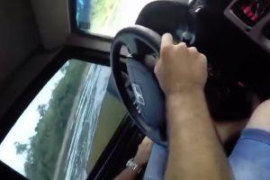 Tentativa De Atravessar Rio Com Veículo Termina Mal Para Família 10