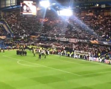 Mundo Do Futebol Rendido Aos Adeptos Do Frankfurt Após Este Gesto 6