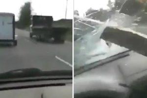 Condutor Capta Assustador Momento Em Que o Para-Brisas Do Seu Carro é Perfurado Por Ripa De Madeira 10