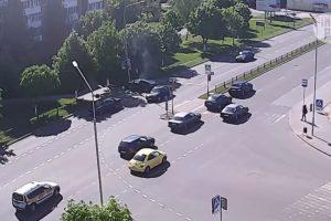 Câmara De Vigilância Capta Momento Em Que Automobilista Sofre Estranho Despiste 10