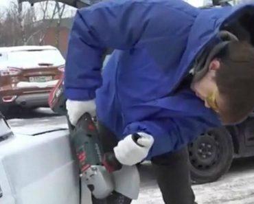 Irritado Condutor Corta Traseira De Carro Mal Estacionado Com Rebarbadora Para Conseguir Estacionar o Seu Automóvel 6
