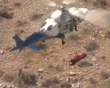 Incontrolável Maca Rodopia Sem Parar Quando Mulher Ferida é Transportada De Helicóptero 5