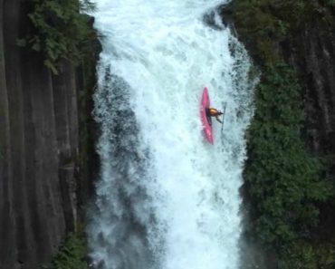 Praticante De Kayak Desce Cachoeira Com 34 Metros De Altura 5