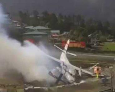 Avião Choca Contra Helicóptero Ao Tentar Descolar 5