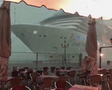 Cruzeiro Perde Controlo Durante Tempestade Em Veneza 3
